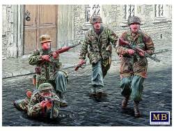 35145       German Paratroopers. WW II era